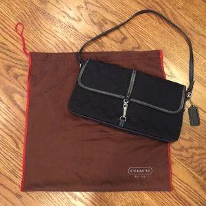 Coach signature pattern shoulder purse